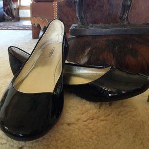 Xhilaration black patent ballet shoes